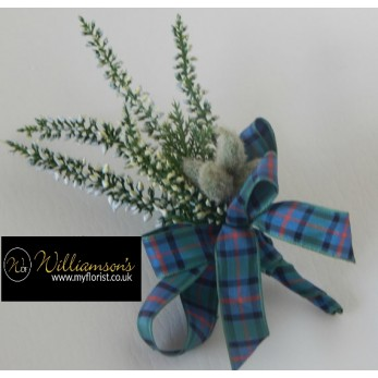 Gents heather buttonhole