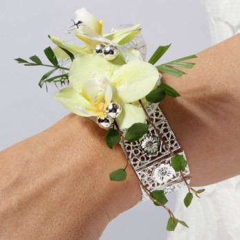 Small orchid Wrist Corsage