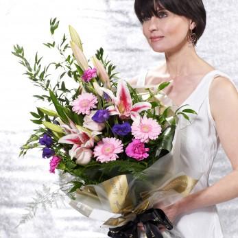 Pretty Pinks Presentation Bouquet