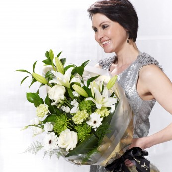 White Simplicity Presentation Bouquet
